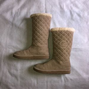 Micheal Kors Sandy Quilted Boots 🤍